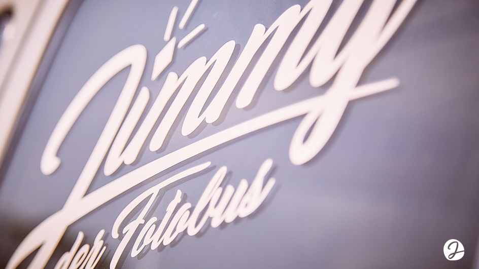 Edgy & Cheesy Jimmy Fotobus Logodesign Type Design