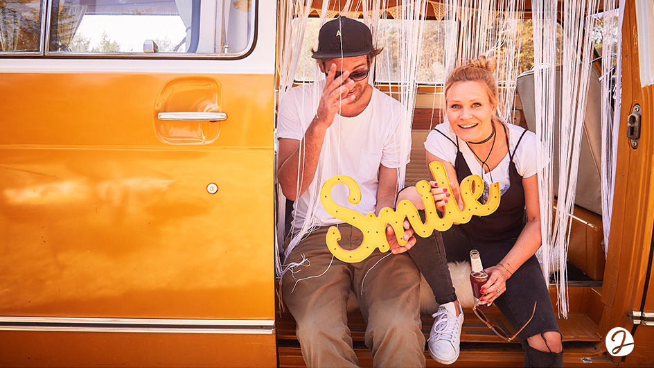 Edgy & Cheesy Jimmy Fotobus Brand Design München